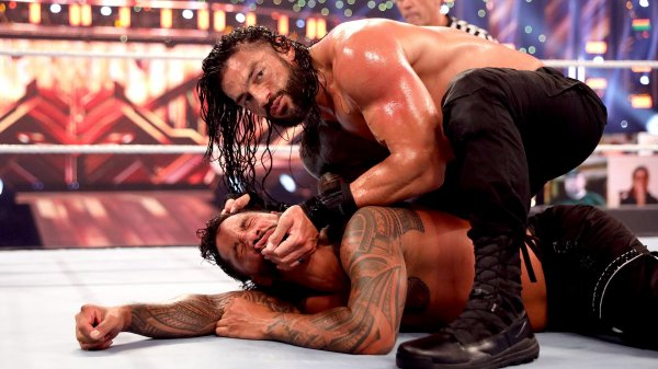 Superkick: ¿Te gustaría ver un Roman Reigns vs The Rock en WrestleMania?